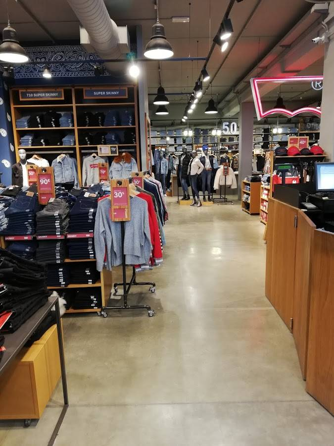 Levi\'s® Factory Outlet Serravalle - cittacoupon.it - Offerte,
