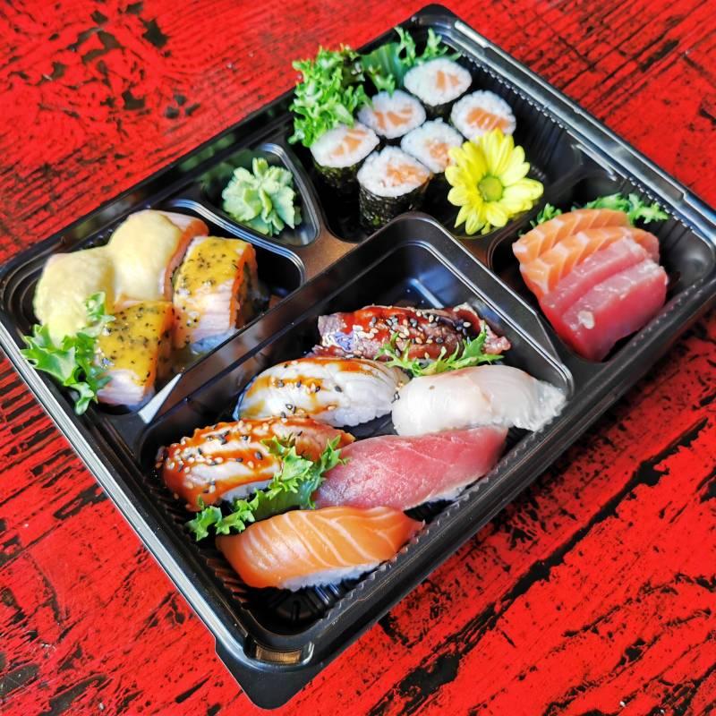 Bento sushi special