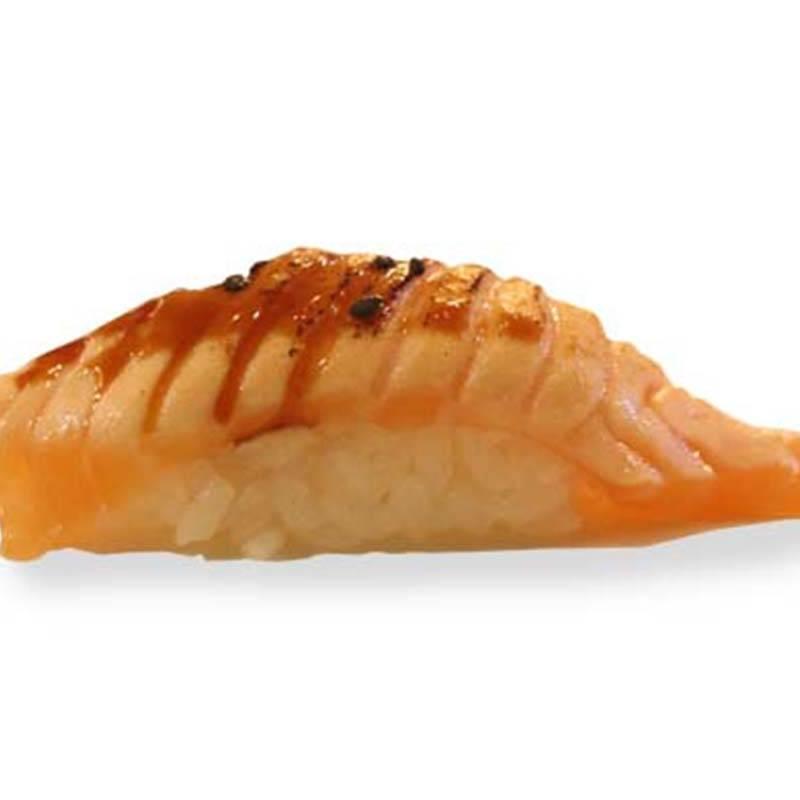 N10. Salmone flambè 1pz (solo cena)