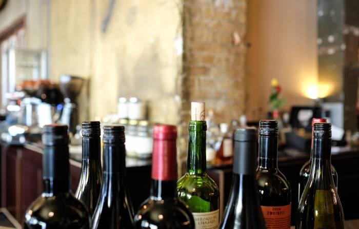 Ogni 5 cartoni, 3 bottiglie di vino in omaggio per te!